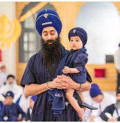 #PictureOftheDay Adorable Khalsa Kid with his Father! Share & Spread! — with Mahi Raikwar and Sukhchain Singh.
