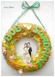 """Couronne de mariage """"Bob et Sandrine"""". Déco de mariage avec les prénoms des mariés (personnalisable) : Décoration pour enfants par perles-et-couronnes"""