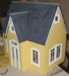 Diy toys dollhouse on pinterest wooden dollhouse for Diy plans de maison gratuitement