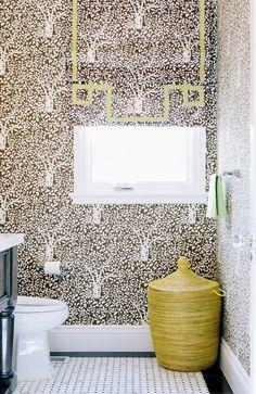 Brown, floral wallpaper in bathroom