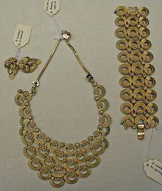 images of Monet jewelry   Monet Jewelry Set   Vintage Costume Jewelry