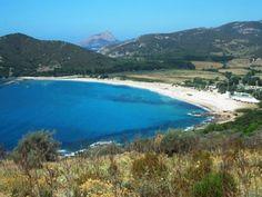Corsica - Golfe - Le golfe de Chiuni est localisé sur la façade maritime occidentale de l'île, entre la Punta d'Orchinu au nord et la Punta d'Omigna au sud, toutes deux sur la commune de Cargèse. Au fond du golfe, se trouve l'embouchure du petit fleuve côtier Chiuni qui lui a donné son nom, au nord de la plage éponyme. Corsica, Embouchure, Images, Photos, Outdoor, Dolphins, Landscape, Outdoors, Pictures