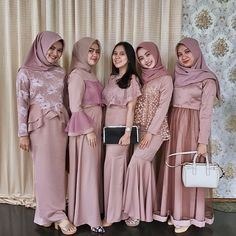 Kebaya Hijab, Kebaya Dress, Kebaya Muslim, Hijab Prom Dress, Muslimah Wedding Dress, Hijab Fashion, Fashion Dresses, Dress Outfits, Kebaya Modern Dress