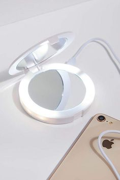 LED Compact Mirror Power Bank - Charge your phone while doing a quick teeth check with this LED compact mirror power bank. High Tech Gadgets, Technology Gadgets, Cool Gadgets, Enchanted Jewelry, What In My Bag, Body Makeup, Beauty Makeup, Led Mirror, Bff Gifts