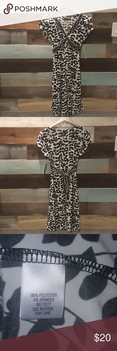 Dress - black and off-white climbing ivy New with tags ! Black and off-white climbing Ivy dress by Apartment 9 size small misses period stretch material 96% polyester 4% spandex RN 73277. Original price $50. Apt. 9 Dresses Midi