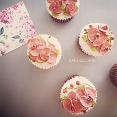 #phalaenopsis #flowercupcake #flowercake #buttercream #AM1122CAKE #플라워컵케이크 #팔레놉시스 #만천홍 #호접란 #플라워케이크