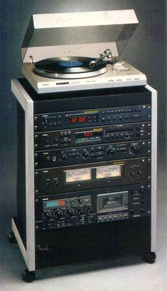 new electronics gadgets Som Retro, Radios, Audio Rack, Black Tulips, Metal Rack, Home Tech, Tape Recorder, Hifi Audio, Audio Equipment