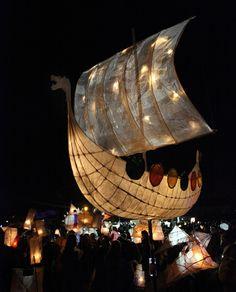 Lantern Festival, Festival Lights, Lampe Applique, How To Make Lanterns, Chinese Lanterns, Masks Art, Paper Lanterns, Art Plastique, Light Art