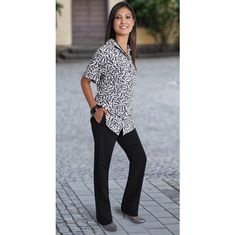 Salis Pants BRAND: DUCHESS Has side pockets and back elasticated waist Corporate Outfits, Pockets, Lady, Skirts, Clothing, Model, Pants, Dresses, Fashion