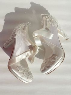 Custom Wedding Shoes for Bride, White and Black Lace Wedding Shoes - Sheer Bridal Shoes with Pearl Embellished Lace Ivory satin and transparent tulle vintage wedding shoes. Black And White Wedding Theme, Colorful Wedding Shoes, White Bridal Shoes, Satin Wedding Shoes, Wedding Heels, Lace Wedding, Rustic Wedding, Wedding Dresses, Embellished Shoes