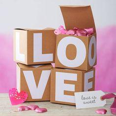 LOVE. Cute little gift boxes #liebe #box #verpackung #geschenk