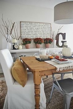 Fall dining room styling - lizmarieblog.com