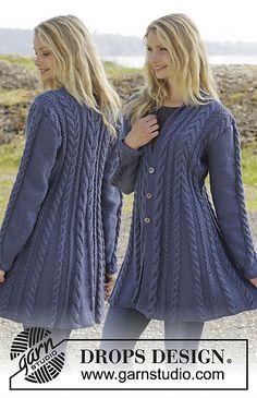 "Knitted DROPS jacket in ""Karisma"" with cable pattern and scarf .- Gestrickte DROPS Jacke in ""Karisma"" mit Zopfmuster und Schalkragen. Größe … Knitted DROPS jacket in ""Karisma"" with cable pattern and shawl collar. Sizes S – XXXL. Sweater Knitting Patterns, Knit Patterns, Free Knitting, Finger Knitting, Crochet Jacket, Knit Jacket, Knit Crochet, Knit Cowl, Crochet Granny"