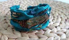 Armband Perlenstickerei auf Seide von Heikes Lebenskunst auf DaWanda.com