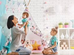 Mother and her daughters girls play in children room. Funny mom and lovely children are having f. Funny Pictures Of Women, Funny Pictures Tumblr, Funny Pictures With Captions, Funny Animal Pictures, Funny Picture Jokes, Funny Pictures Can't Stop Laughing, Friday Dog, Sherlock Season 4, Vash