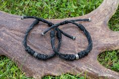 Black paracord bracelet for men, women