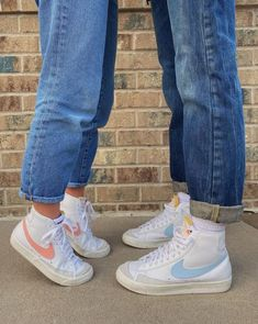 Dr Shoes, Swag Shoes, Hype Shoes, Me Too Shoes, Shoes Pic, Sneakers Mode, Sneakers Fashion, Shoes Sneakers, High Top Sneakers