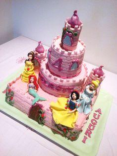 le torte decorate: torta castello principesse disney