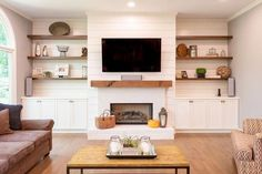 Most up-to-date Photos Fireplace Remodel with shelves Concepts Astounding suggestions to take a look at Living Room Inspiration, Home Fireplace, Built In Shelves Living Room, Room Remodeling, Farm House Living Room, Living Room Built Ins, Living Room With Fireplace, Home Living Room, Fireplace Built Ins
