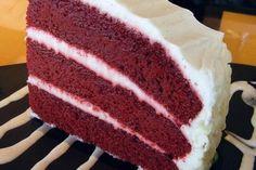 DERYA GÜNEŞ adlı okurumuzun gönderdiği kremalı vişneli ıslak kek tarifi...