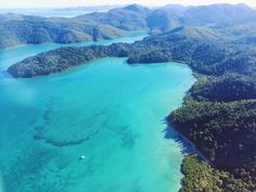 Scenic flight over the Whitsunday Islands #queensland #australia #travel #beach #bucketlist #scenicflight #whitsundays #greatbarrierreef