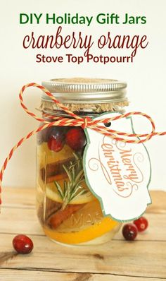 Christmas Gift-in-a-Jar Ideas for everyone on your list! - The Creek Line House Mason Jar Christmas Gifts, Diy Holiday Gifts, Mason Jar Gifts, Mason Jar Diy, Homemade Christmas, Gift Jars, Christmas Ideas, Christmas Crafts, Christmas Scents
