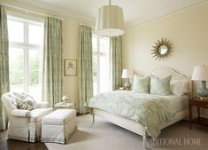 When I was recently going through the portfolio of Arkansas designer Melissa Haynes for my own dining room inspiration (her dining rooms are my favorite)… Soothing Colors, Dining Room Inspiration, Teen Girl Bedrooms, Sophisticated Style, Beautiful Bedrooms, Traditional House, Traditional Bedroom Decor, Traditional Kitchens, Decoration