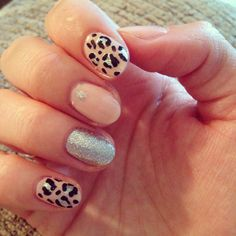 Leopard print nails with sparkles
