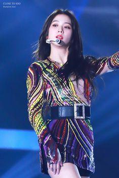 SBS #블랙핑크 #지수 #BLACKPINK #JISOO Kpop Girl Groups, Korean Girl Groups, Kpop Girls, Blackpink Jisoo, Yg Entertainment, Blackpink Debut, Jennie Lisa, Blackpink Fashion, Famous Girls