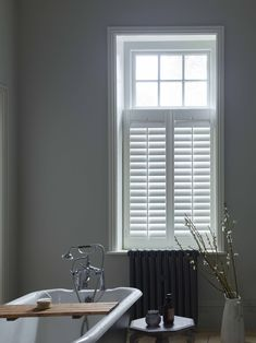 Get home inspiration with our great collection of shutters images. Our gallery of real life window shutters will inspire - different styles and coloured shutters. Luxury Bathroom Vanities, Modern Bathroom Faucets, Bathroom Design Luxury, Steam Showers Bathroom, Rustic Bathrooms, Cafe Style Shutters, Cafe Shutters, Interior Shutters, Kitchen Window Dressing