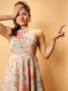 Bollywood Actress Hot Photos, Tamil Actress Photos, Beautiful Bollywood Actress, Beautiful Actresses, Bollywood Girls, Beautiful Girl Indian, Beautiful Girl Image, Most Beautiful Indian Actress, Glam Photoshoot