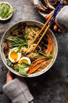 30 Minute Creamy Sesame Miso Ramen with Crispy Mushrooms. (Half Baked Harvest) 30 Minute Creamy Sesame Miso Ramen with Crispy Mushrooms. Whole Food Recipes, Dinner Recipes, Cooking Recipes, Rice Recipes, Beef Recipes, Cooking Tips, Salade Healthy, Asia Food, Vegetarian Recipes