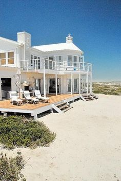 Wonderful Free dream Beach Houses Ideas Every Exterior Lenders beachfront house has its own personality—from your outstanding beachfront mansions towa. Beautiful Beach Houses, Dream Beach Houses, Beautiful Homes, Beautiful Beautiful, Beach Houses In Florida, Hamptons Beach Houses, Beach House Style, Beach House Decor, House On The Beach