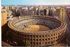 Plaza de toros de Valencia, catalogada como plaza de primera junto a Madrid, Sevilla, Bilbao, Zaragoza, Pamplona, San Sebastián, Córdoba y Barcelona que lo fue hasta que prohibieron las corridas de toros.