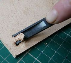 Basic leatherworking skills good info.