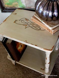 Beyond The Picket Fence: Chippy Table distress with wet teeny cloth