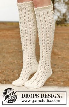 Socks & Slippers - Free knitting patterns and crochet patterns by DROPS Design Lace Socks, Crochet Socks, Knitting Socks, Drops Design, Knitting Patterns Free, Free Knitting, Free Pattern, Lace Patterns, Crochet Patterns