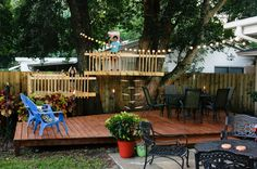 DIY Tree Forts and Deck Bring Out the Neighborhood Kids