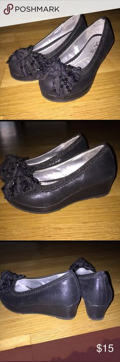 Justice dress shoes Size 13 !! My daughter loved these . Too cute with little wedge Shoes Dress Shoes
