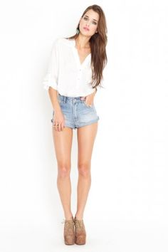 oversized blouse + perfectly rolled sleeves