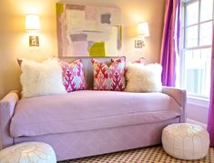 pink daybed, abstract art & throw pillows #girls #bedroom #daybed