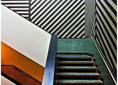 Tile, lines, color and Sol Lewitt at @gemeentemuseum. : Paul Hoogeveen