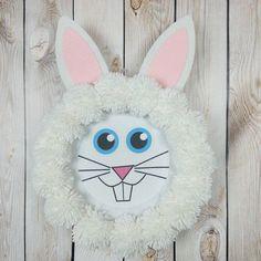 Pom-pom Bunny Wreath #Easter #Bunny #Wreath
