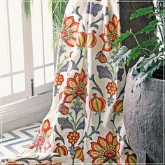 Balpur (guell-lamadrid.com): bright background and charming colors #linen #home #homedesign #homedecor #decor #decoration #homesweethome #interior #lovely #glamour #textiles #textildesign #fabric #pattern #texture