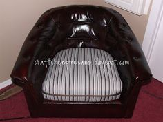 Just in case you missed my guest post. By now you all know that I love garage sales! White Leather Chair, Leather Dye, Leather Chairs, Leather Sofa, Tommy Bahama Beach Chair, Furniture Care, Furniture Refinishing, Furniture Redo, Painting Furniture