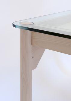 KRISTOFFER SUNDIN / KITCHEN TABLE • 2009