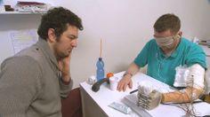 Investigadores suizos desarrollan mano biónica con sentido deltacto