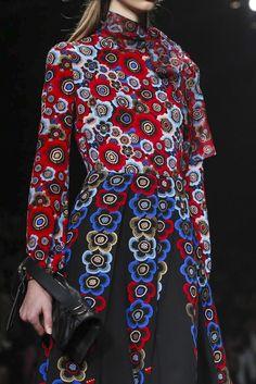 Valentino Ready To Wear Fall Winter 2015 Paris - NOWFASHION