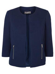 Tailored blue blazer from VERO MODA. A true classic!