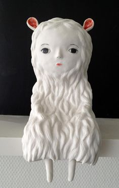 I love everything about this! Ceramic sculptures by Nathalie Choux, on the blog today: http://www.artisticmoods.com/nathalie-choux/